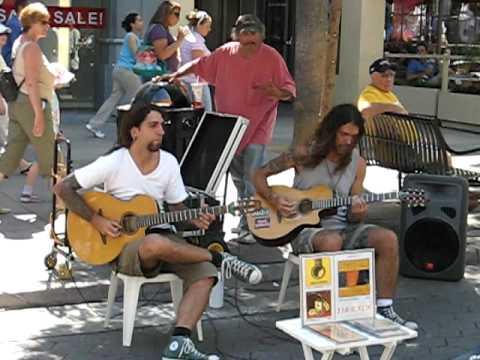 "Seis Cuerdas playing ""Flight of the Bumblebee"" @ Santa Monica 3rd Street Promenade, California (USA)"