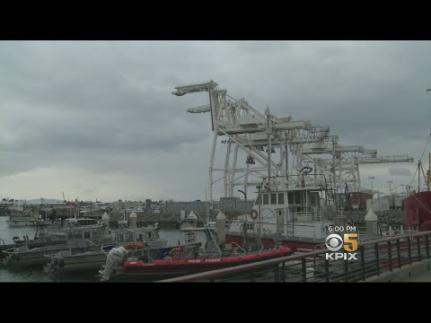 AIR POLLUTION: Port of Oakland cleaning up its emissions to