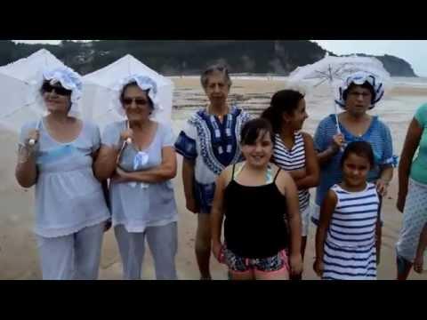 Llamativos Baños de Ola en la  playa de Rodiles con trajes de época en septiembre 2014