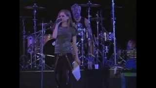 Avril Lavigne - Fall To Pieces (Summer Sonic Tokyo 07/08/2004)