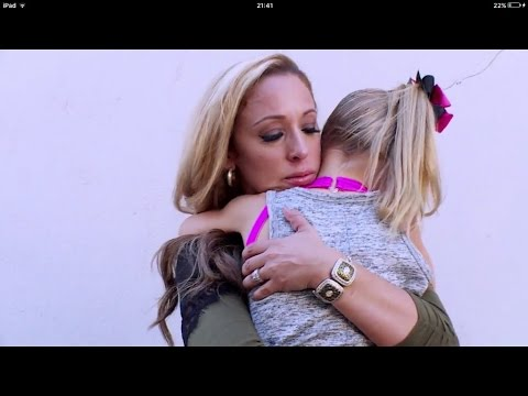 Dance Moms - Stacey and Lilliana leave after argument (season 7 episode 4)