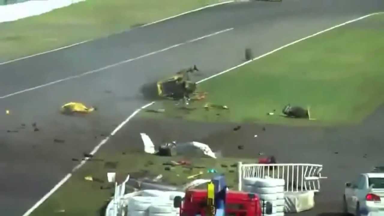 big ferrari 458 crash at suzuka 2013 with different angles & slow