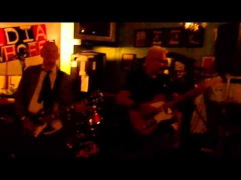 Billy Watson.TV - The Media Whores - Grangemouth Tavern 5