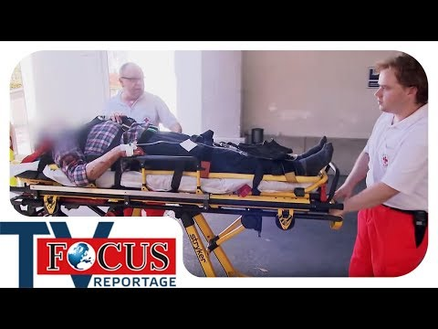 Schwerer Treppensturz! Einsatz für Notarzt Pasing 76/1 - Focus TV Reportage