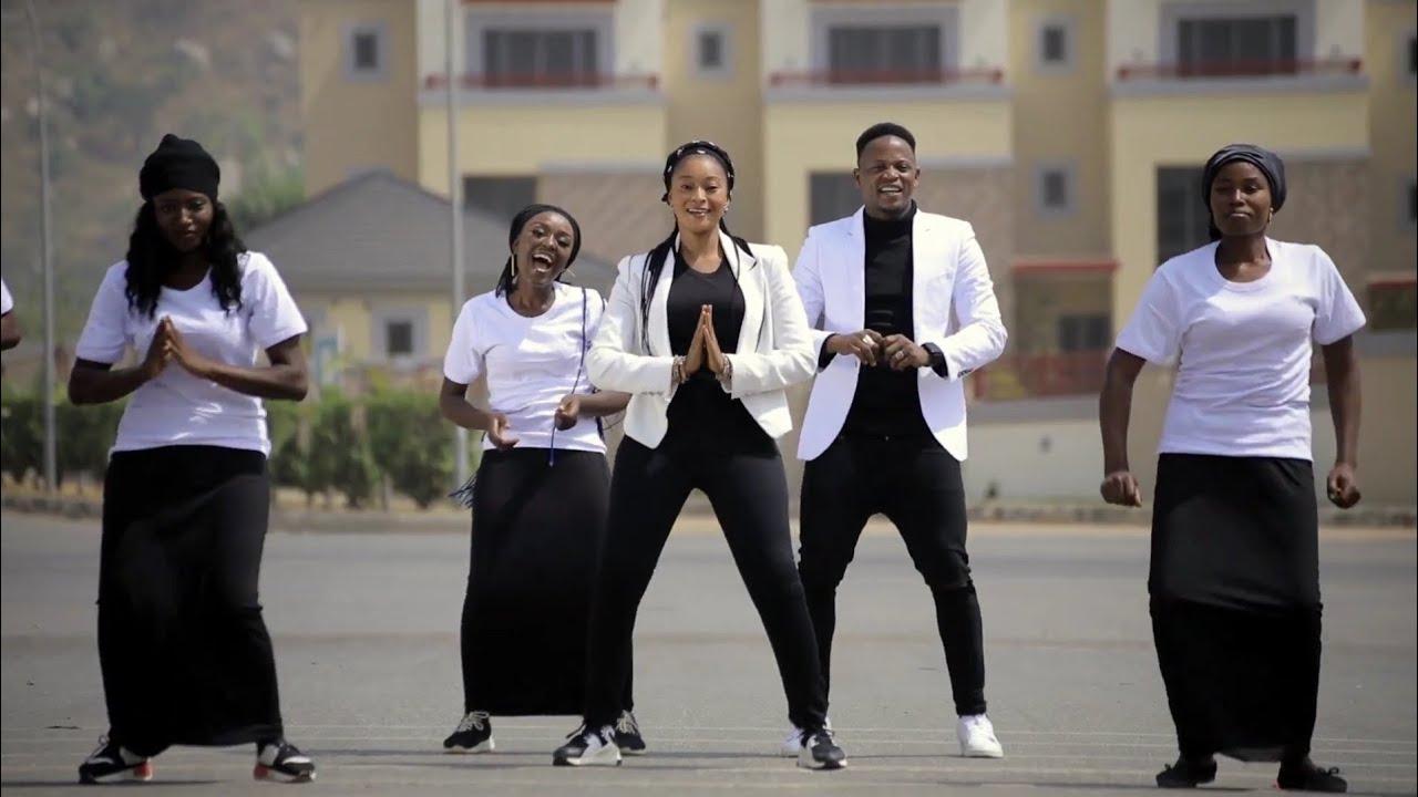 Download Garzali Miko (Mai Sona) Latest Hausa Song Original video 2021# ft Rakiya Moussa.