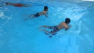 Belajar berenang by TJ