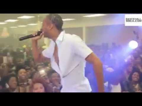 Dexta Daps Perform Jealous Ova to excited Hartford Fans