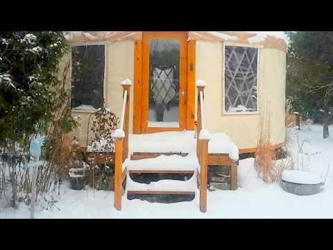 La yourte(yurting) et son rituel chauffage d'hiver