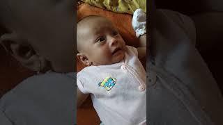 vuclip Bayi umur 2 bulan Nggak mau mimik nenen, maunya mimik Dodot😂😂