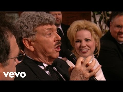 Bill & Gloria Gaither - That Old-Time Preacher Man (Live)