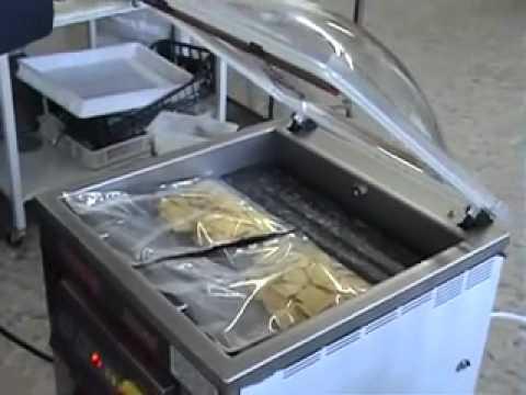 Производство вакуумных пакетов с печатью с прорубной ручкой! - YouTube
