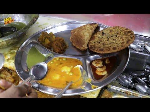 Paranthe Wali Gali - Delhi's World Famous Fried Bread - Street Food India