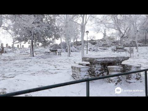 VÍDEO: Las imágenes de la hermosa nevada que ha pintado de blanco las sierras de la Subbética.