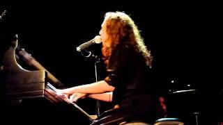 Regina Spektor - Wallet live at MHoW (Dan Cho Benefit) [03/03]