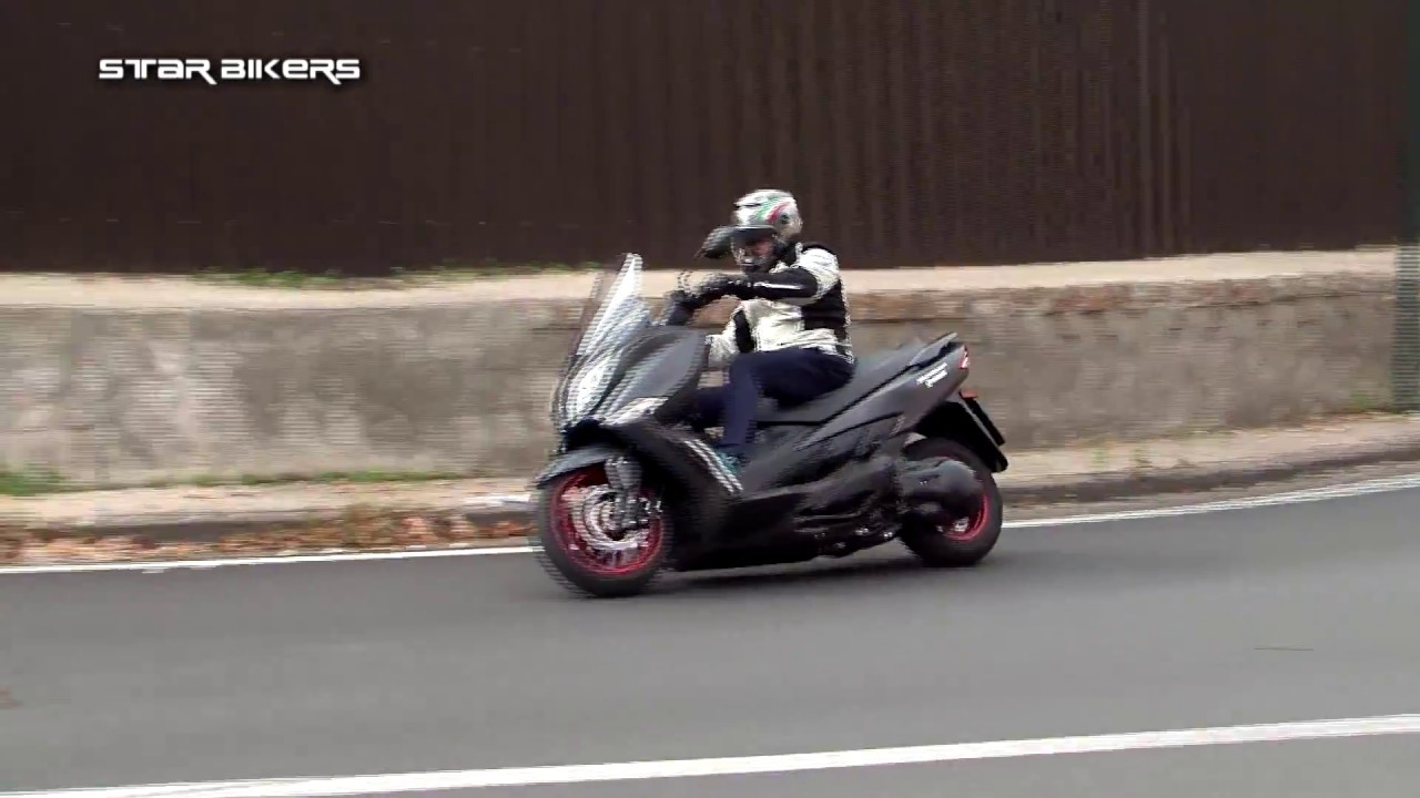 SUZUKI BURGMAN 400 ABS con LAMBERTI NAPOLI - YouTube