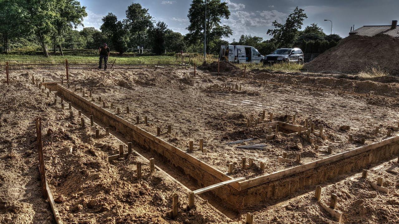 Szalowanie ławy fundamentowej Budowa domu za 150 tys