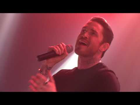 BLAKE MCGRATH   HARDER THAN THE FIRST TIME (LIVE)
