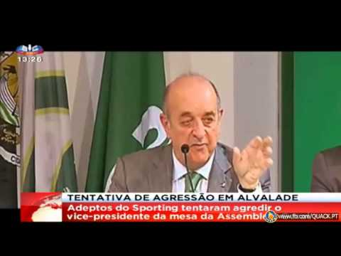 Daniel Sampaio leva com ovos e insultos na Assembleia do Sporting (01/02/2013)