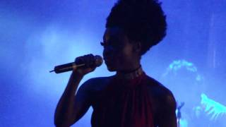 Morcheeba - Beat of the Drum live in Argentina 21.03.11