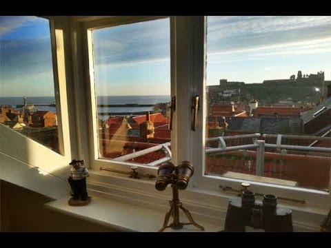 Whitby's Loft View Apartment