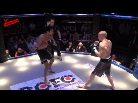British Cage Fighting Championship 3 Awais 'The Superman' Zaman VS Rob Pearson SHAREFIGHT COM