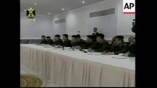 الرئيس العراقي صدام حسين يتراس جلسة مجلس الوزراء حول منع المساعدات العراقية من دخول فلسطين 2001