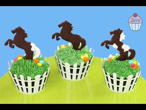 How to Make HORSE CUPCAKES Simple Spring Pony Race Cupcakes My