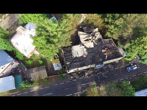 На фото Последствия пожара на Валовой с коптера изображение