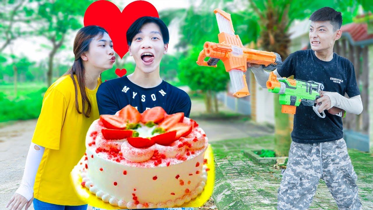 Battle Nerf War ZTMAN Delivery STRAWBERRY CAKE & Nerf Guns Fight JMan BIRTHDAY CAKE NERF BATTLE