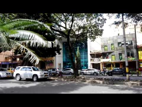 COLOMBIA EPISODE 18: Walking Through Medellin Neighborhood In Laureles