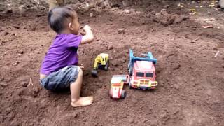 Download Video Truk Pengeruk Tanah MP3 3GP MP4