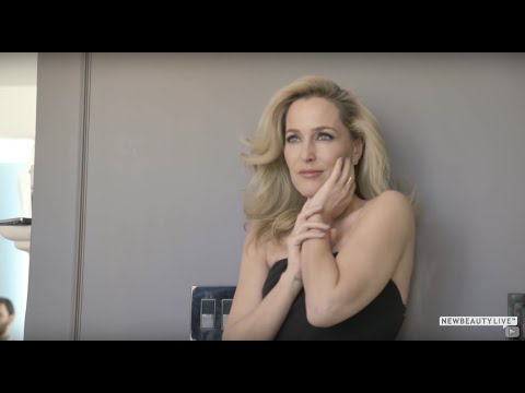 Gillian Anderson Gets Candid About Aging, Beauty and the Pressure On Women