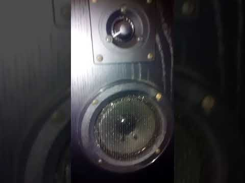 (Another Goodwill find - vintage KLH speakers from goodwill.)