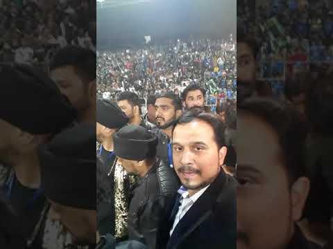Multan sultan Sahara band on stage
