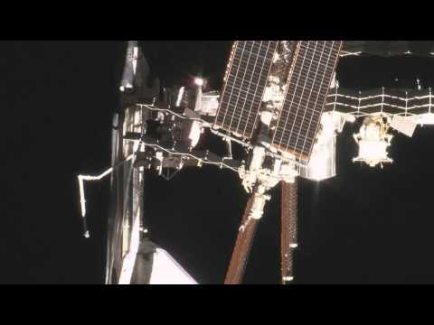 """STS-134: """"The Ultimate Photo Op"""" in HD"""