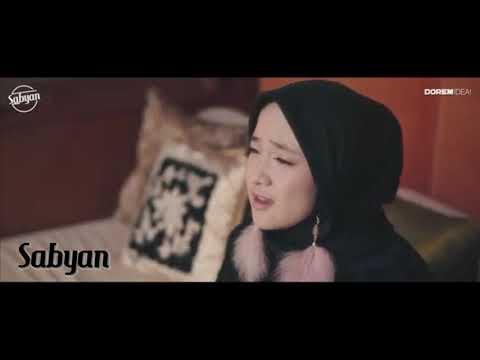 Man Ana ( Cover ) - Nissa Sabyan ( Lirik Musik Video )