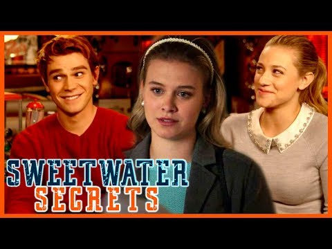 'Riverdale': KJ On 'Weird' Shirtless Scene, Is Polly Gone Forever? Lili Reacts | SweetwaterSecrets