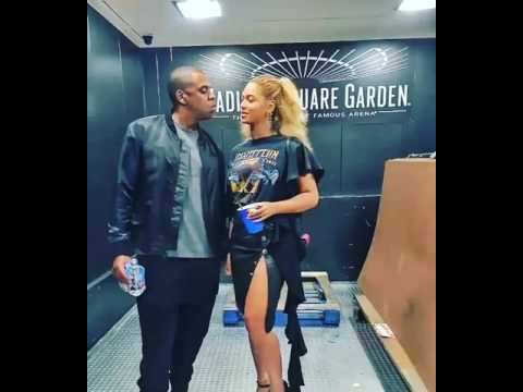 JAY-Z AND BEYONCE LOVING EACH OTHER! AREN'T THEY CUTE?