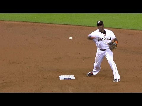 PIT@MIA: Furcal starts double play in season debut