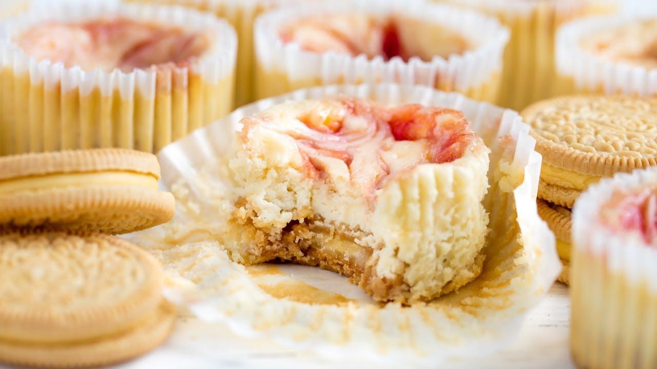 Easy Strawberry Swirl Cheesecake Cupcakes