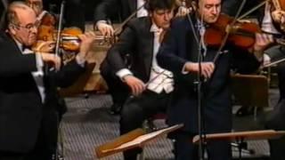 W.A. Mozart - Sinfonia Concertante-Andante / Igor Oistrakh and Valery Oistrakh (part II)