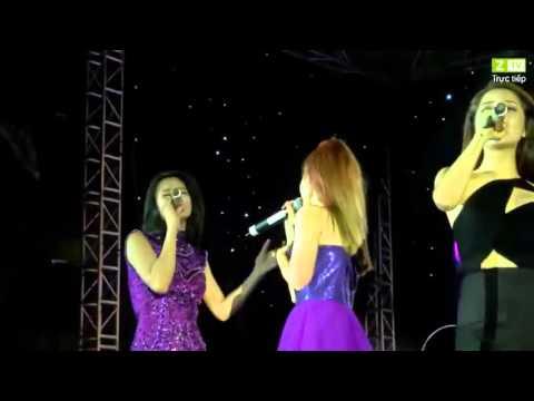 Khởi My cùng Bảo Anh Đông Nhi biểu diễn cùng trên sân khấu rất ăn ý trong Tôi Tỏa sáng những giấc mơ