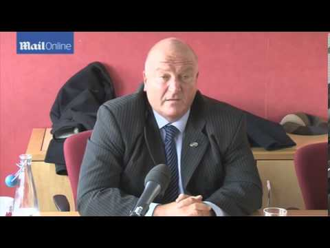 Archive: RMT boss Bob Crow defends his lifestyle