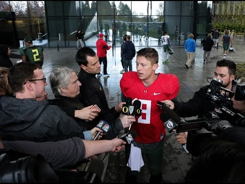 Oregon Ducks Football Practice: 4-4-16
