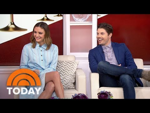 'The Arrangement' Stars Josh Henderson And Christine Evangelista  TODAY
