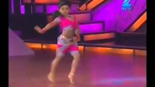 Repeat youtube video baby girl amazing dancing - chikni chameli - shihabmeethal