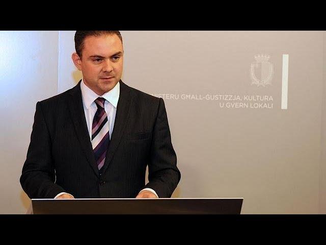 <h2><a href='https://webtv.eklogika.gr/apokleistiko-o-ypoyrgos-dikaiosynis-tis-maltas-gia-tin-ypothesi-efimova-2' target='_blank' title='Αποκλειστικό: Ο υπουργός Δικαιοσύνης της Μάλτας για την υπόθεση Εφίμοβα…'>Αποκλειστικό: Ο υπουργός Δικαιοσύνης της Μάλτας για την υπόθεση Εφίμοβα…</a></h2>
