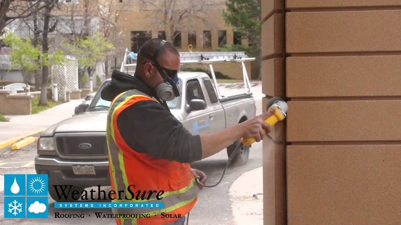 Vertical Caulking Demo with Dow Corning 795