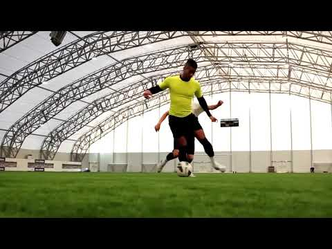F2 Freestylers & Football Tricks Online   Amazing Football Freestyle Skills 1