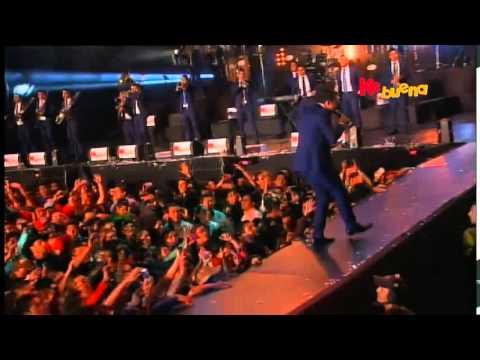 Banda La Trakalosa de Monterrey en la Fiesta de La Radio